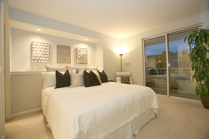 Master bedroom at 301N